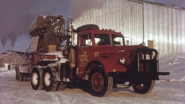 Mack l-series photo - 2