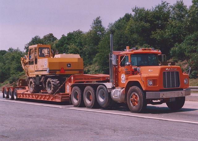Mack rb600 photo - 1