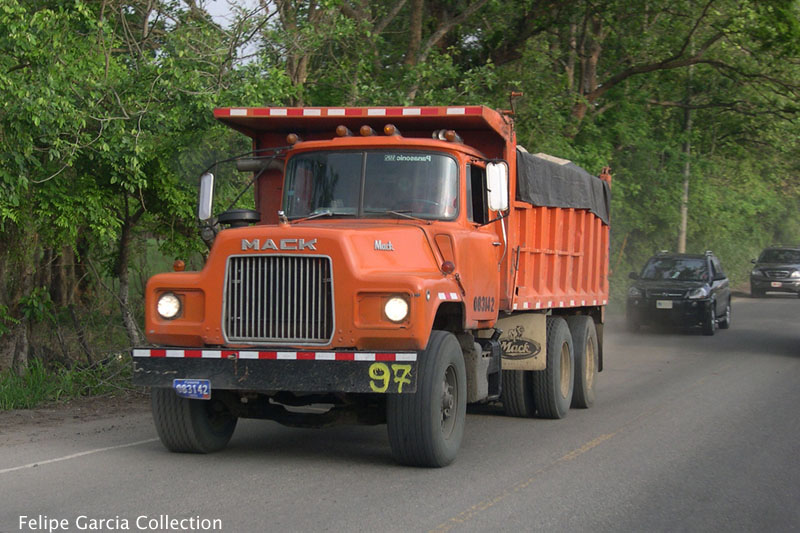 Mack rb600 photo - 4