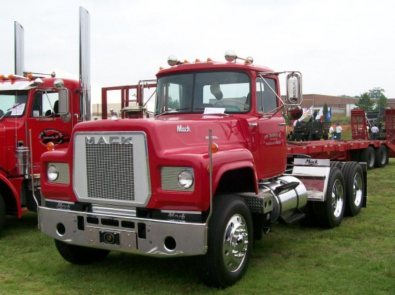 Mack rs-600 photo - 1