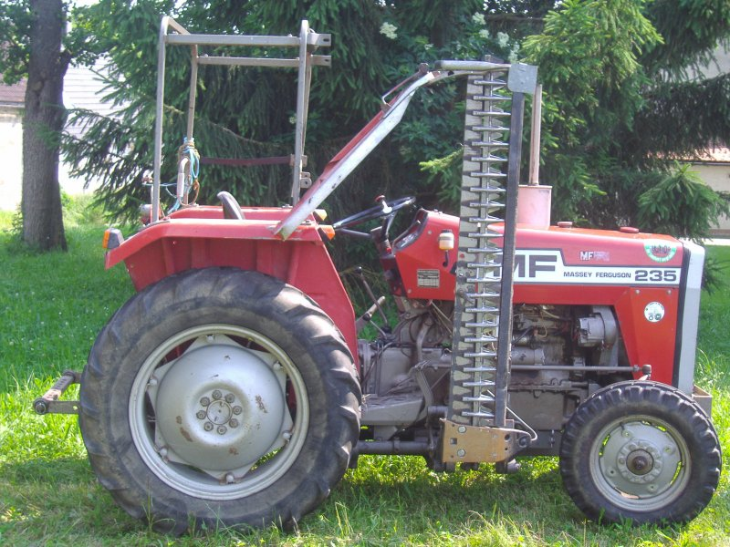 Massey ferguson 235 photo - 1