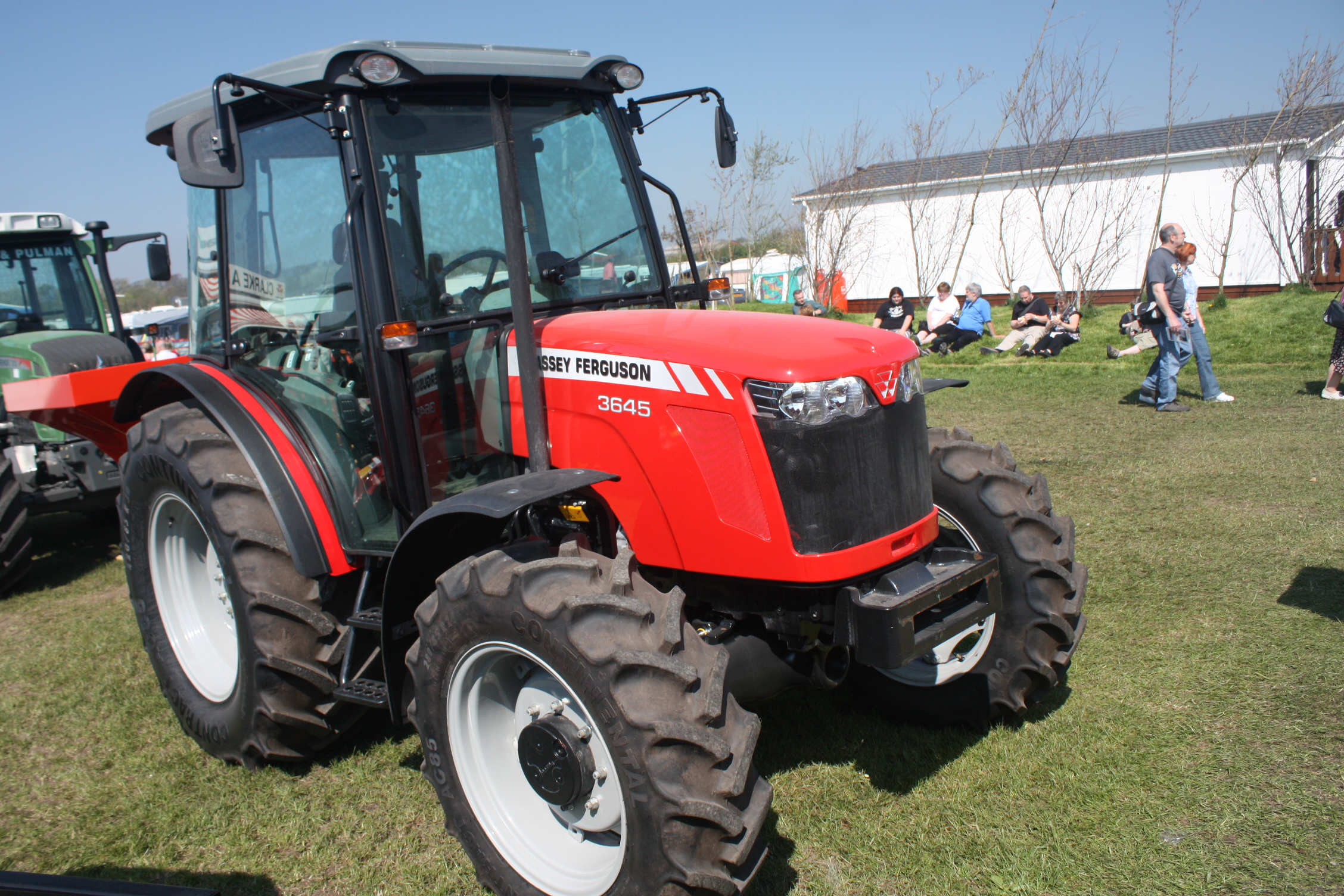 Massey ferguson 2640 photo - 2