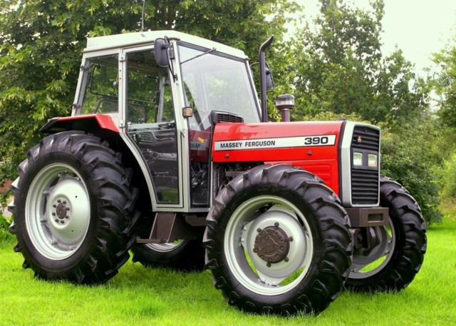 Massey ferguson 390 photo - 2