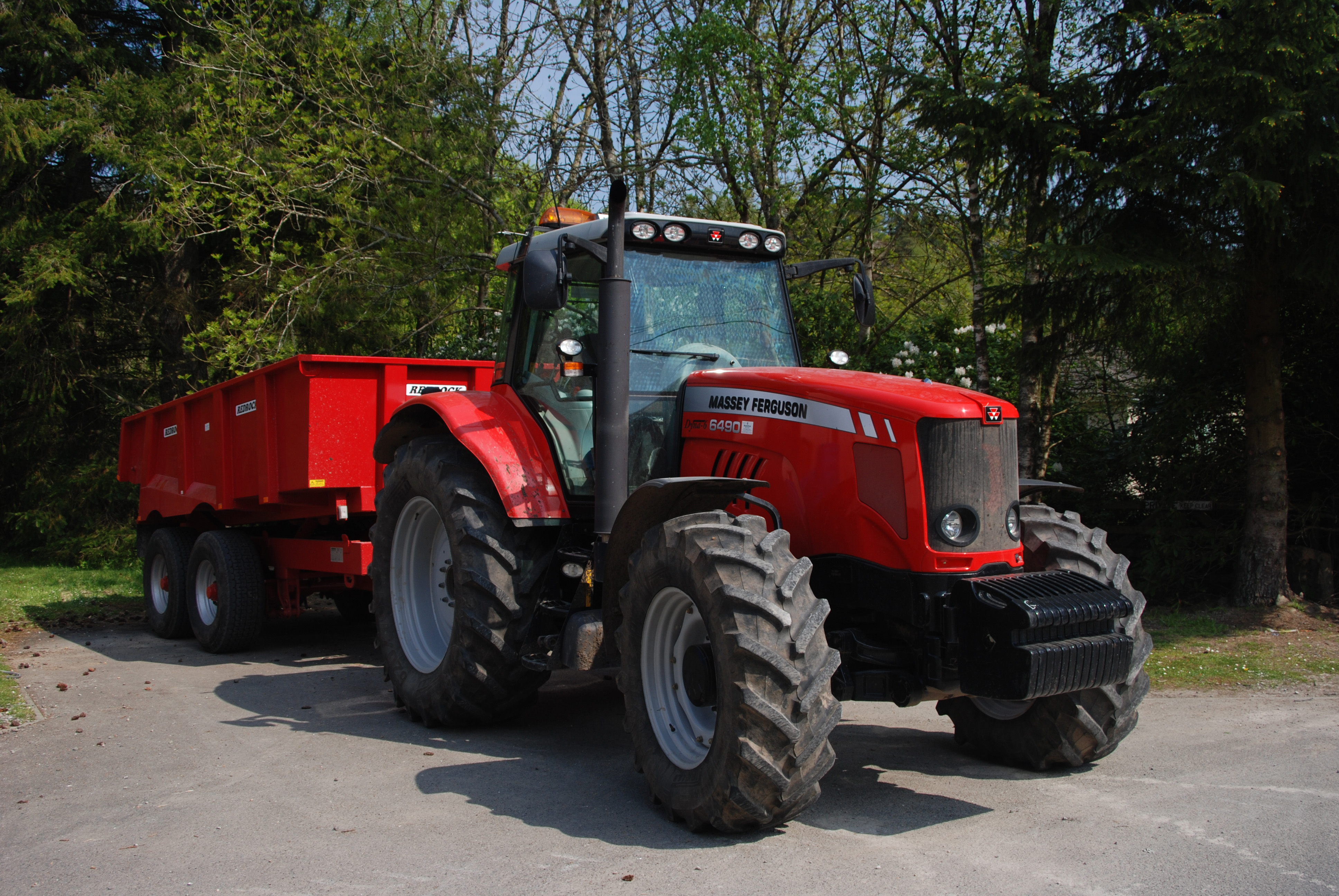Massey ferguson 400 photo - 2