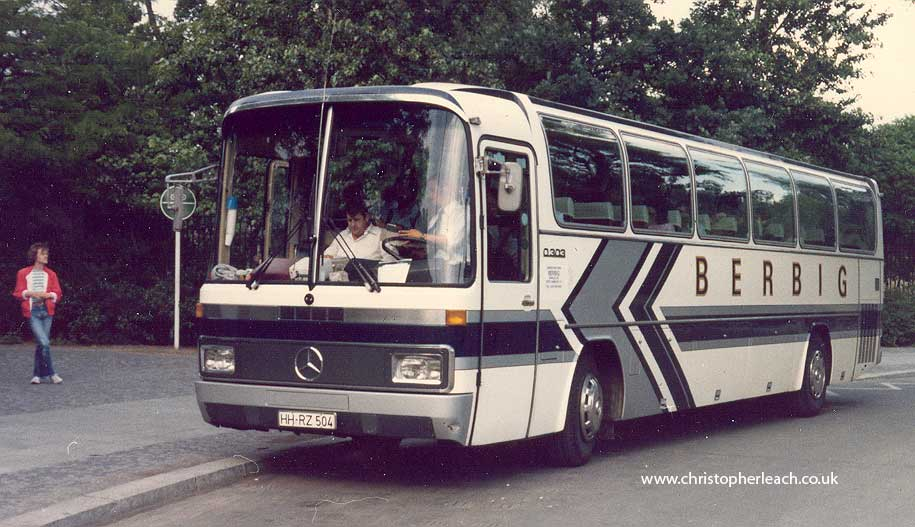 Mercedes-benz 0303 photo - 2