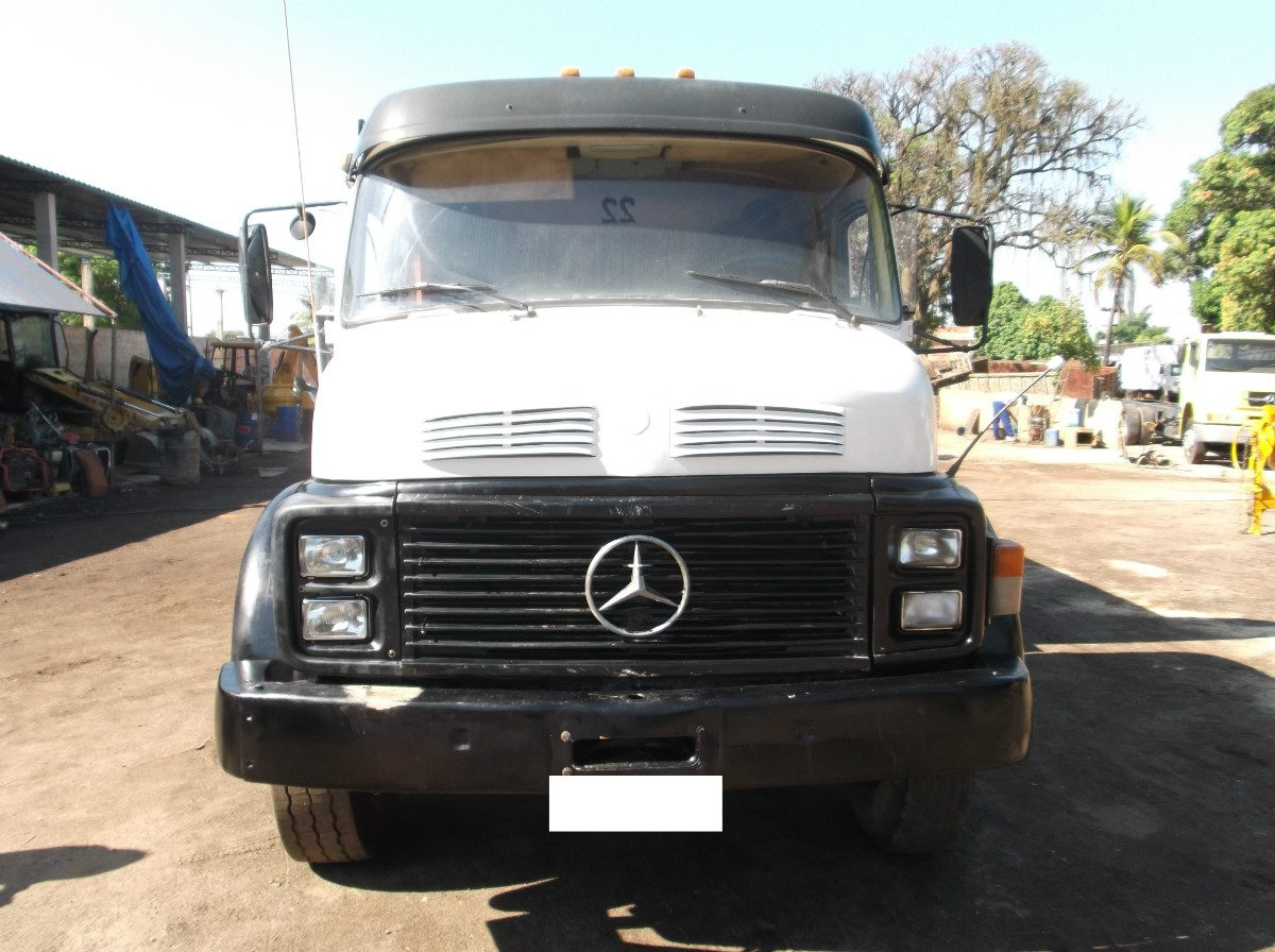Mercedes-benz 1525 photo - 2