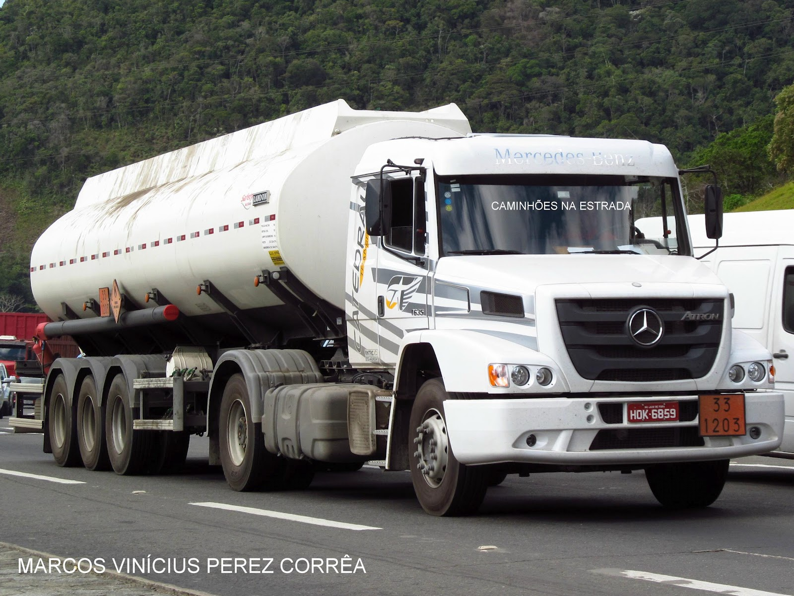 Mercedes-benz 1635 photo - 1