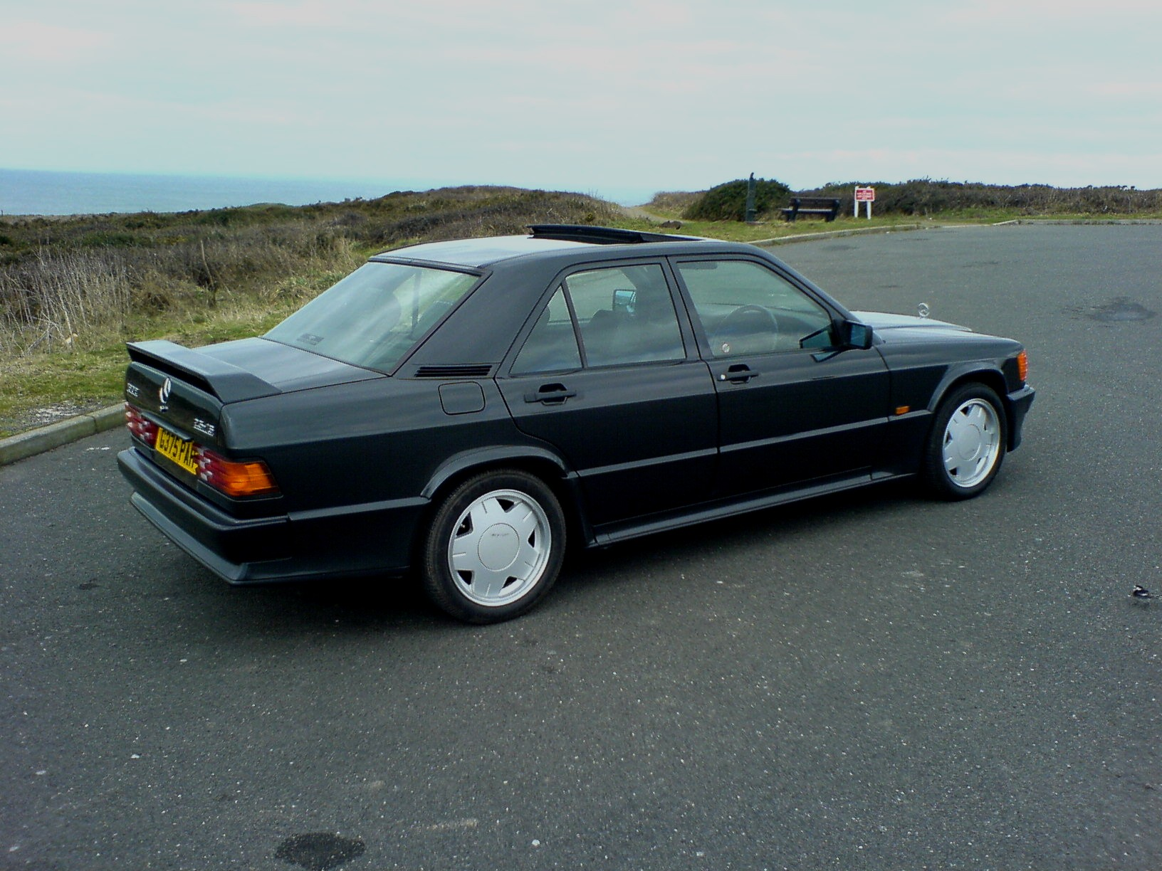 Mercedes-benz 190e photo - 4