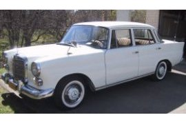 Mercedes-benz 200d photo - 3