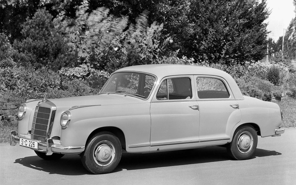 Mercedes-benz 219 photo - 1