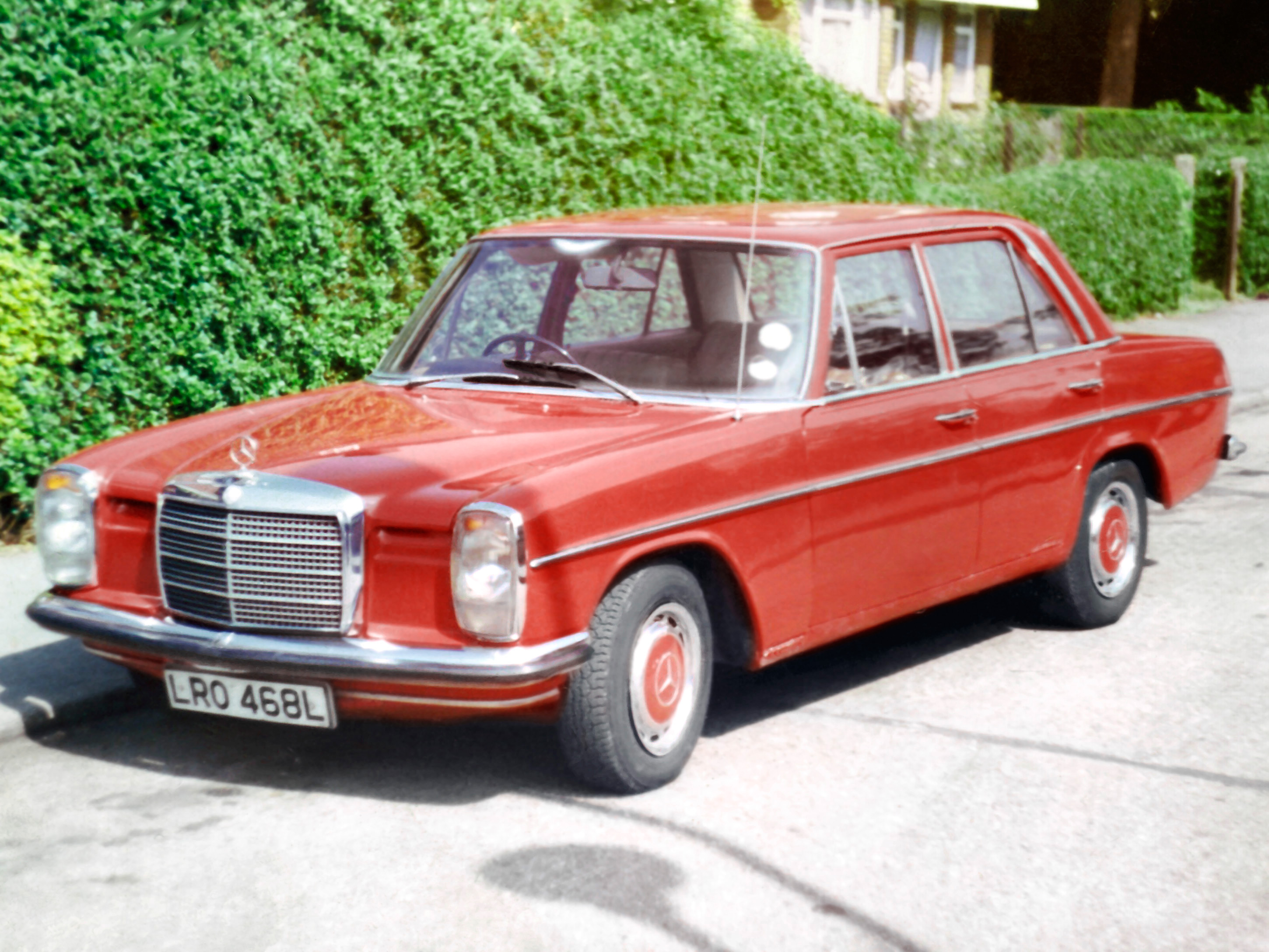 Mercedes-benz 220d photo - 3
