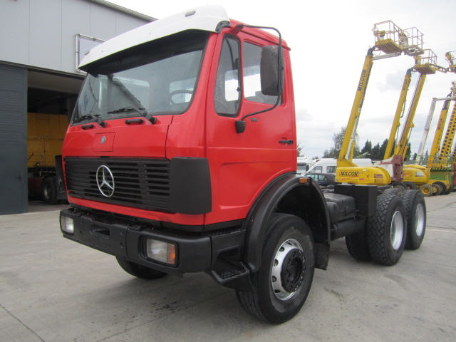 Mercedes-benz 2226 photo - 3