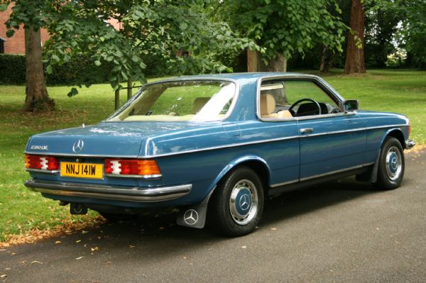 Mercedes-benz 230ce photo - 2