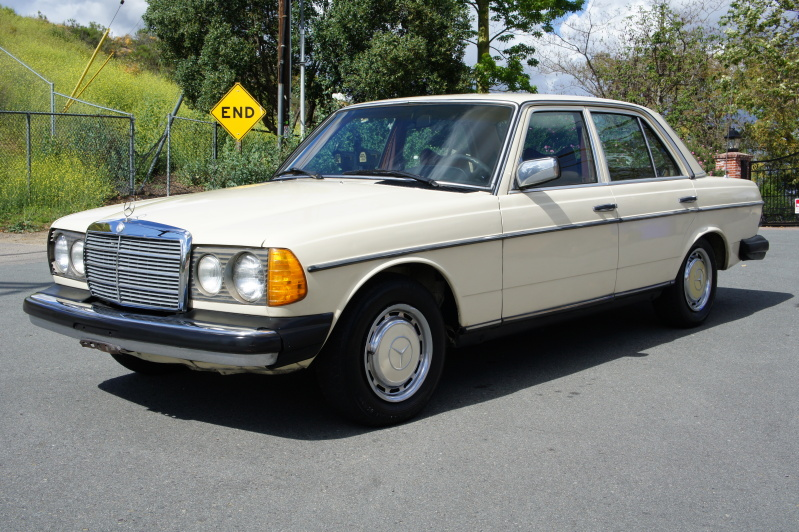 Mercedes-benz 240d photo - 2