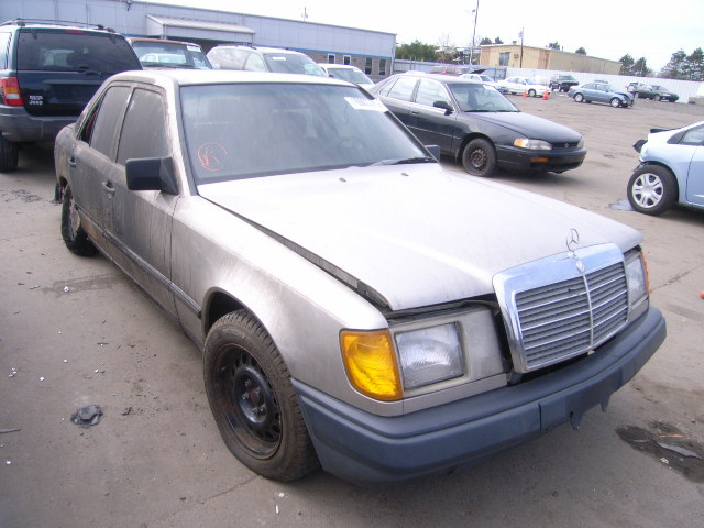 Mercedes-benz 260e photo - 1