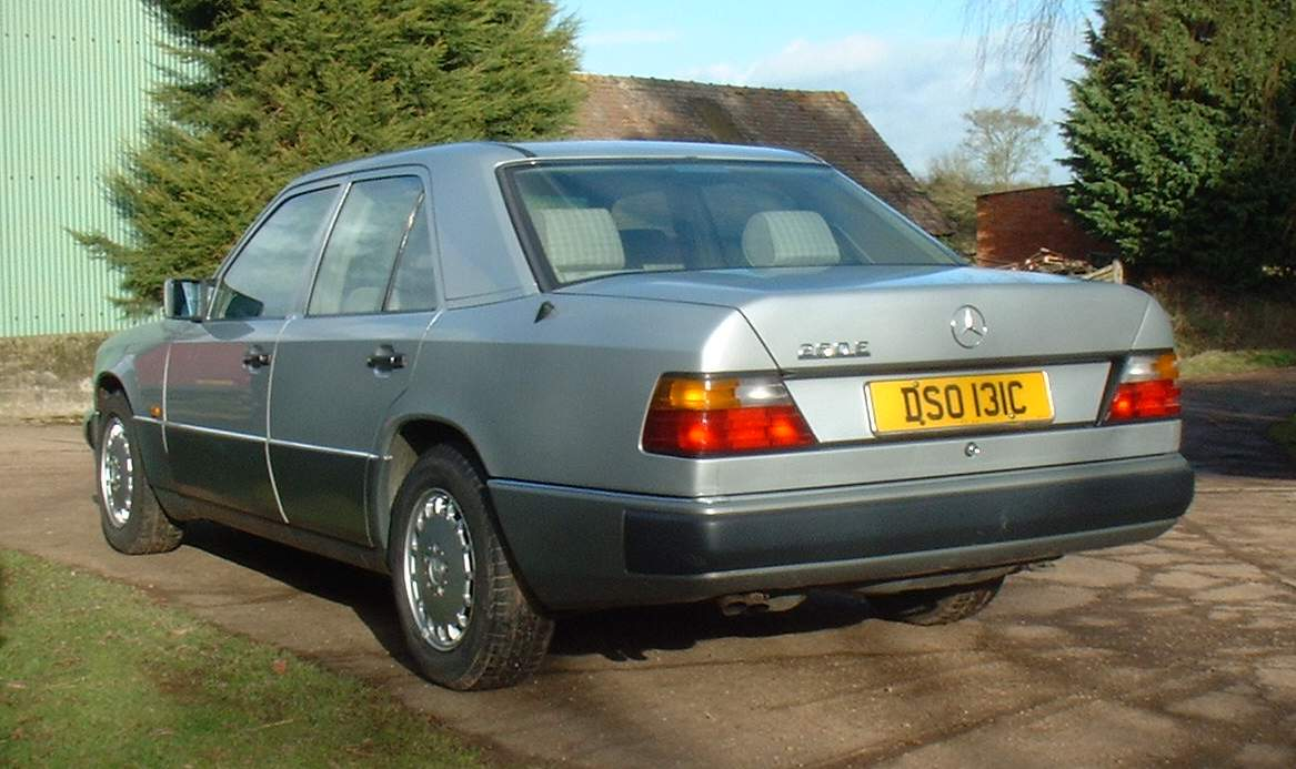 Mercedes-benz 260e photo - 3