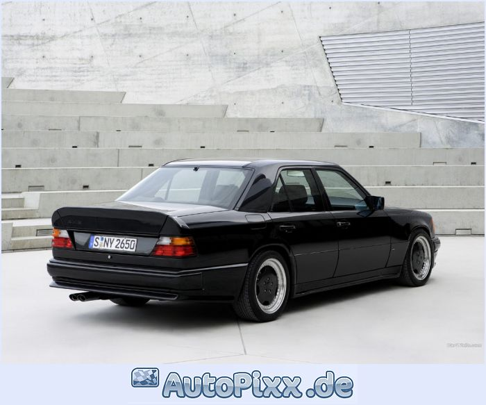 Mercedes-benz 300e photo - 4