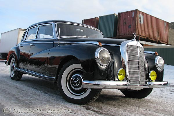 Mercedes-benz 300s photo - 2