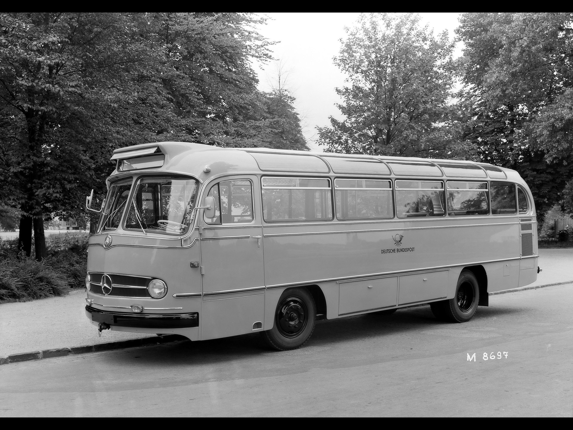 Mercedes-benz 321 photo - 1