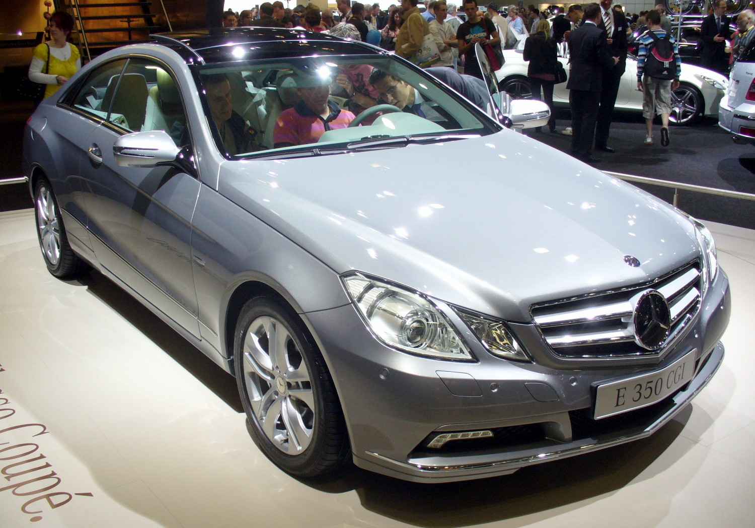 Mercedes-benz 350 photo - 3