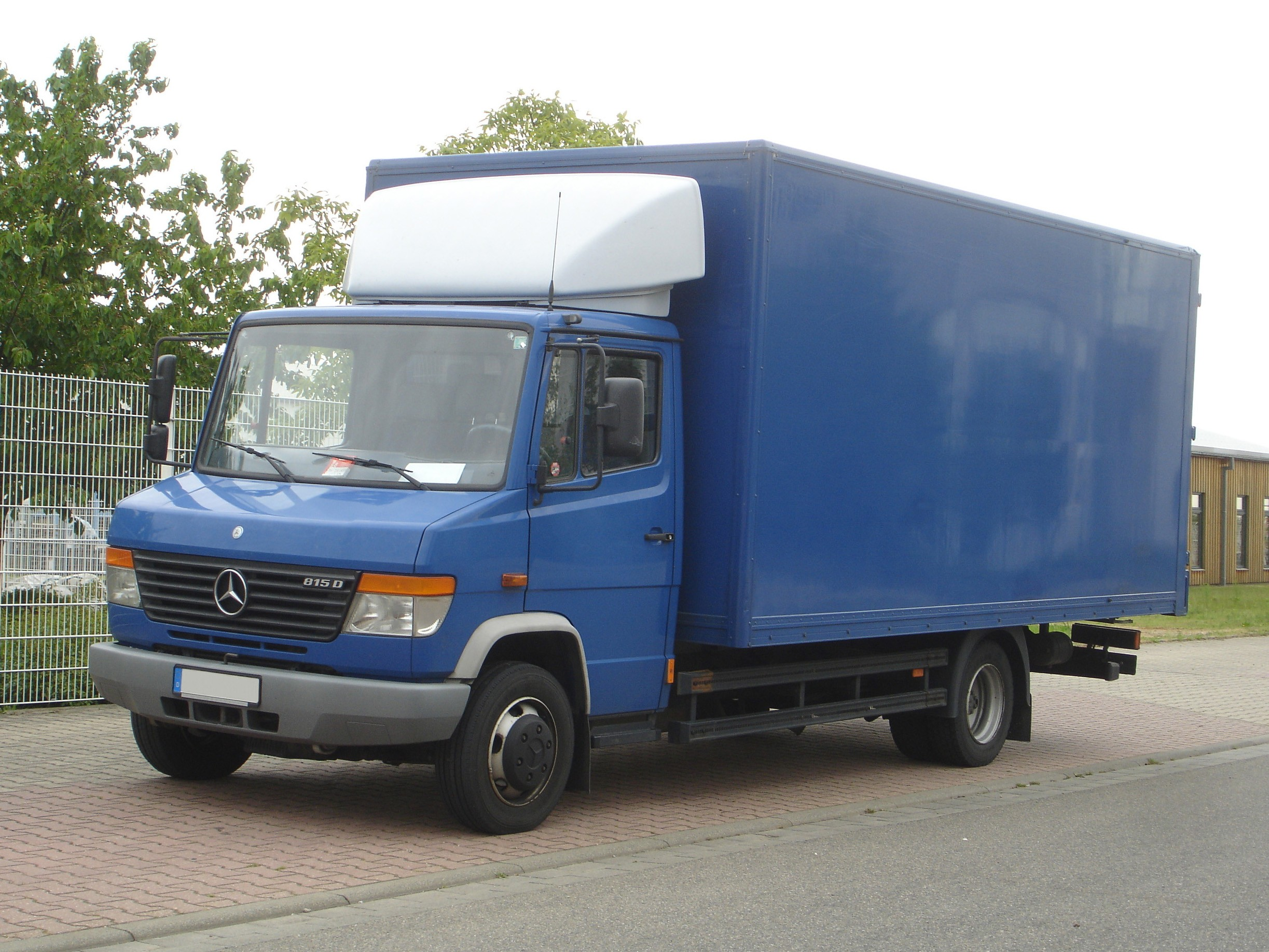 Mercedes-benz 815d photo - 4