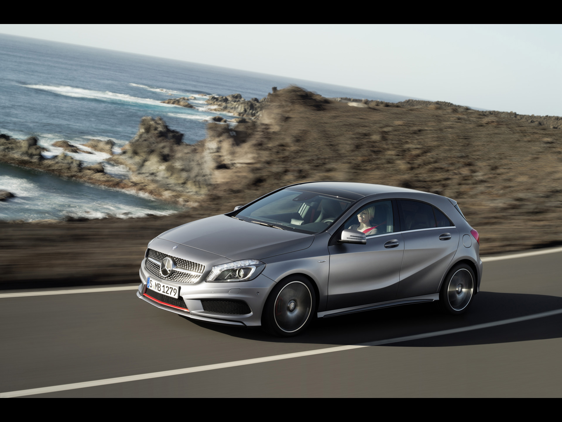 Mercedes-benz a-klasse photo - 3