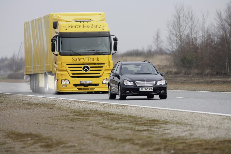 Mercedes benz actros photo - 1