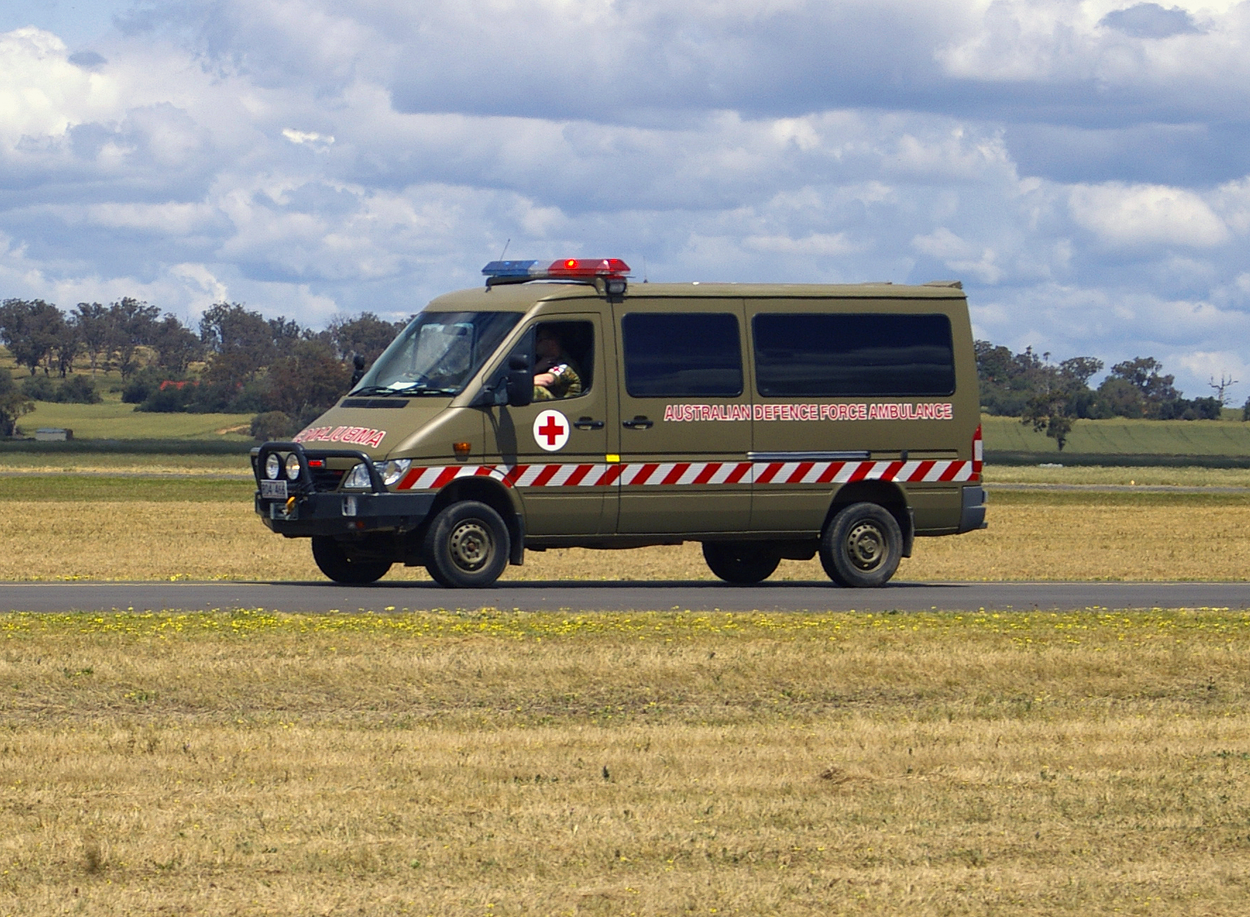 Mercedes-benz ambulance photo - 1