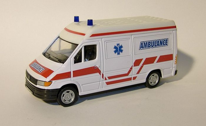 Mercedes-benz ambulance photo - 2