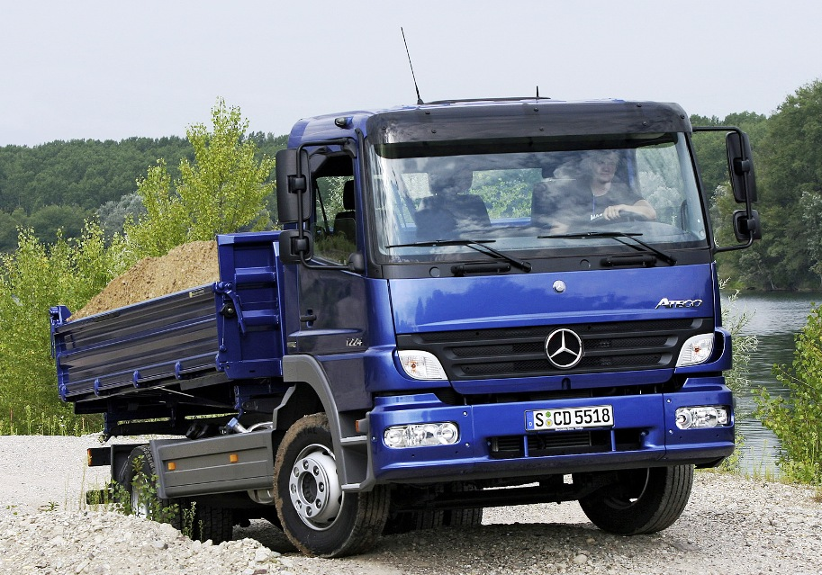 Mercedes-benz atego photo - 1