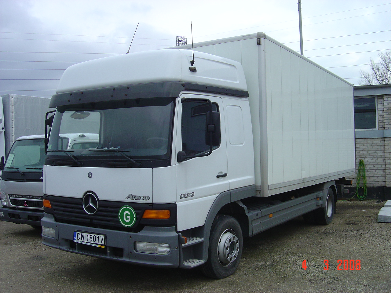 Mercedes-benz atego photo - 2