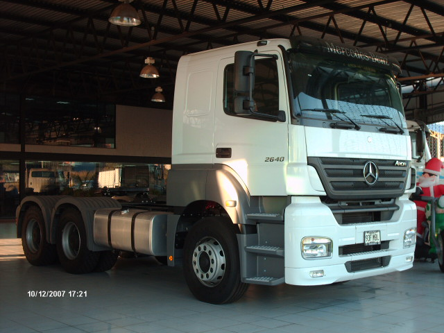 Mercedes-benz axor photo - 3
