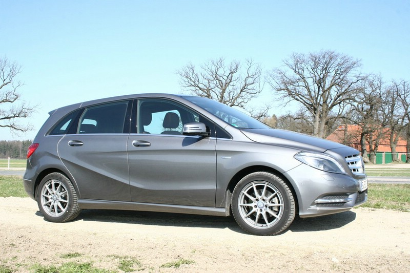 Mercedes-benz b200 photo - 2