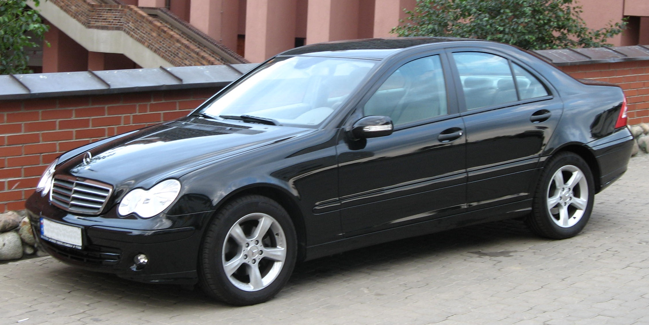 Mercedes-benz c180 photo - 1