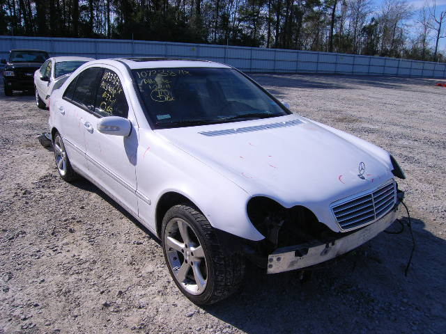 Mercedes-benz c320 photo - 2