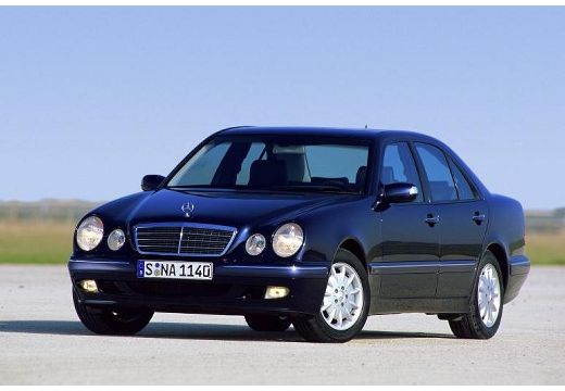 Mercedes-benz e200 photo - 1
