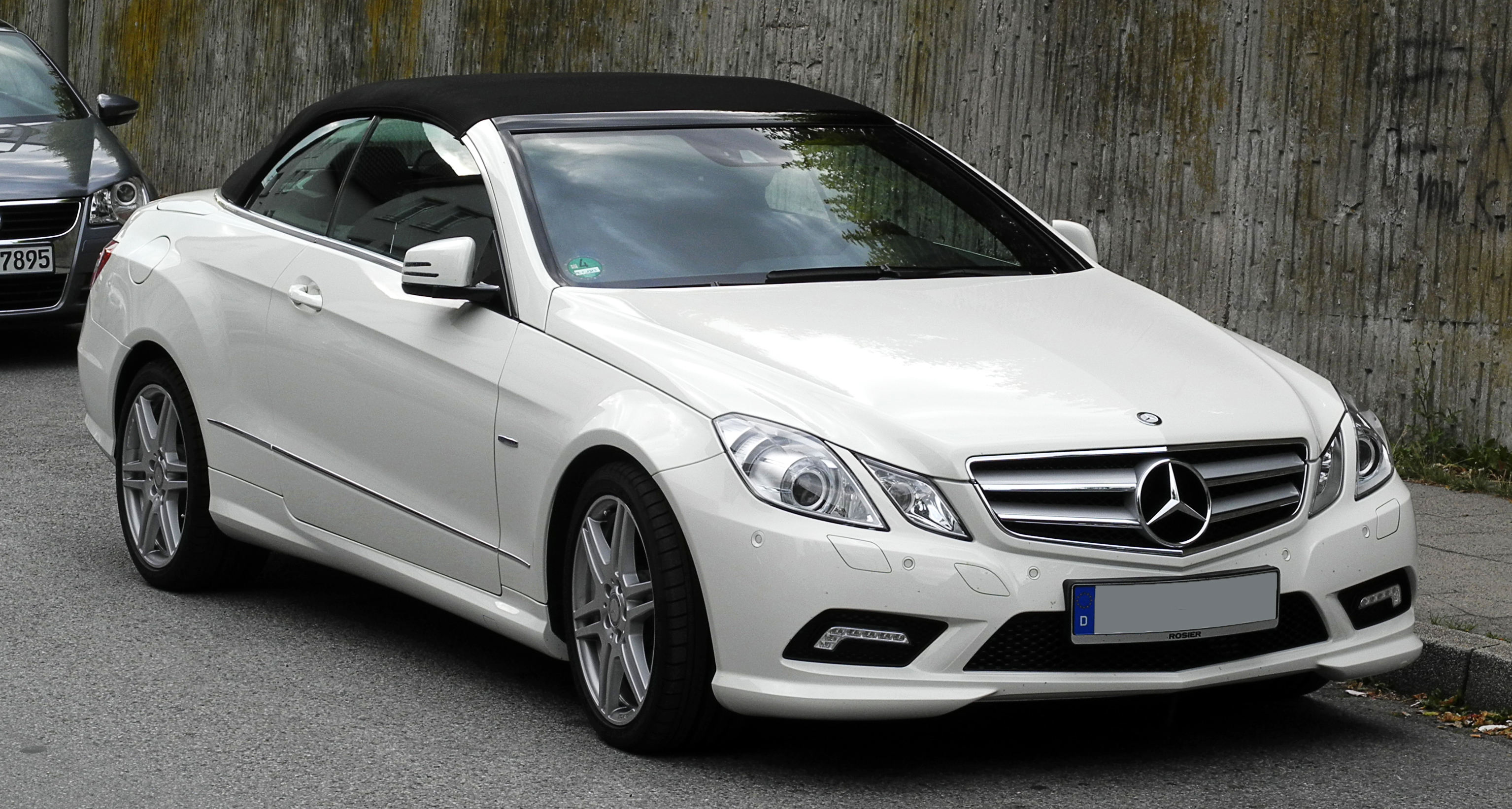 Mercedes-benz e250 photo - 2
