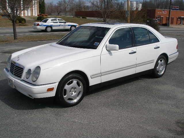 Mercedes-benz e420 photo - 4