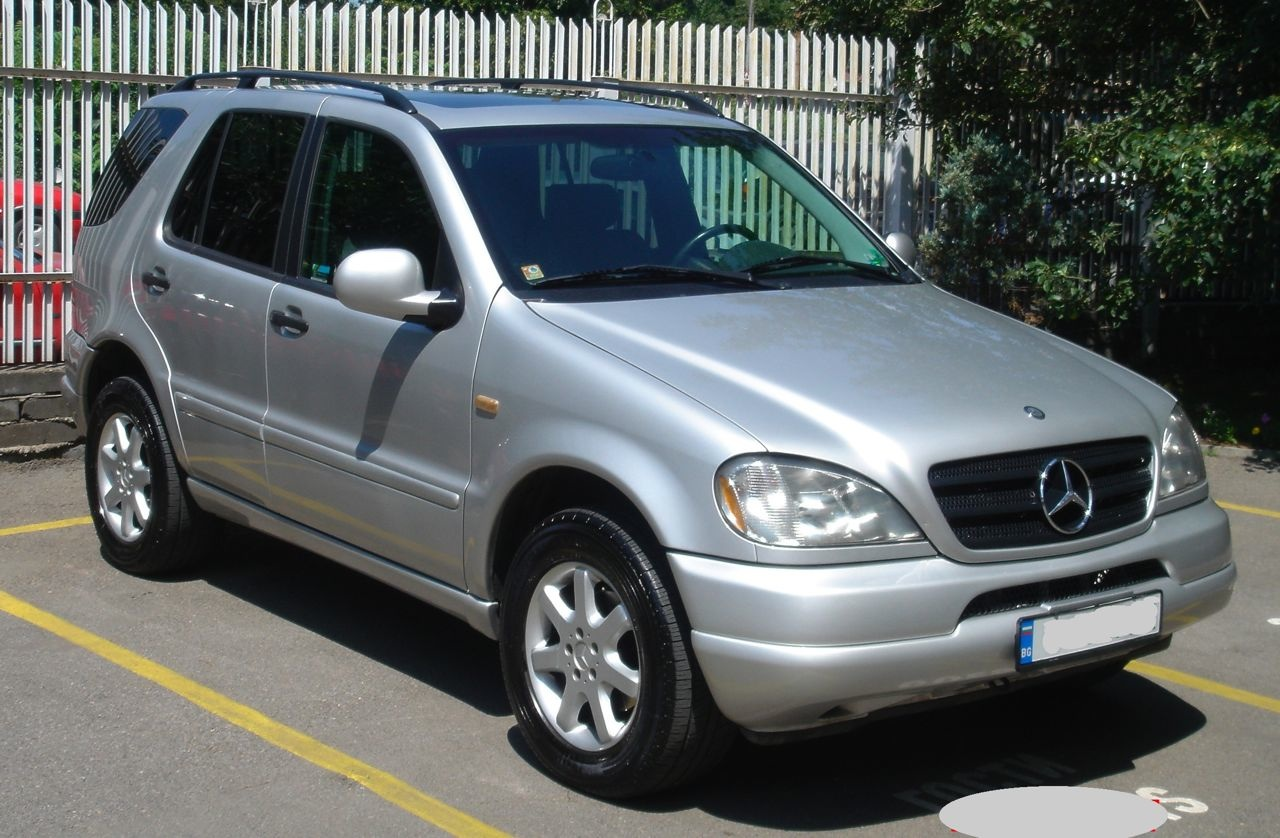 Mercedes-benz m320 photo - 4