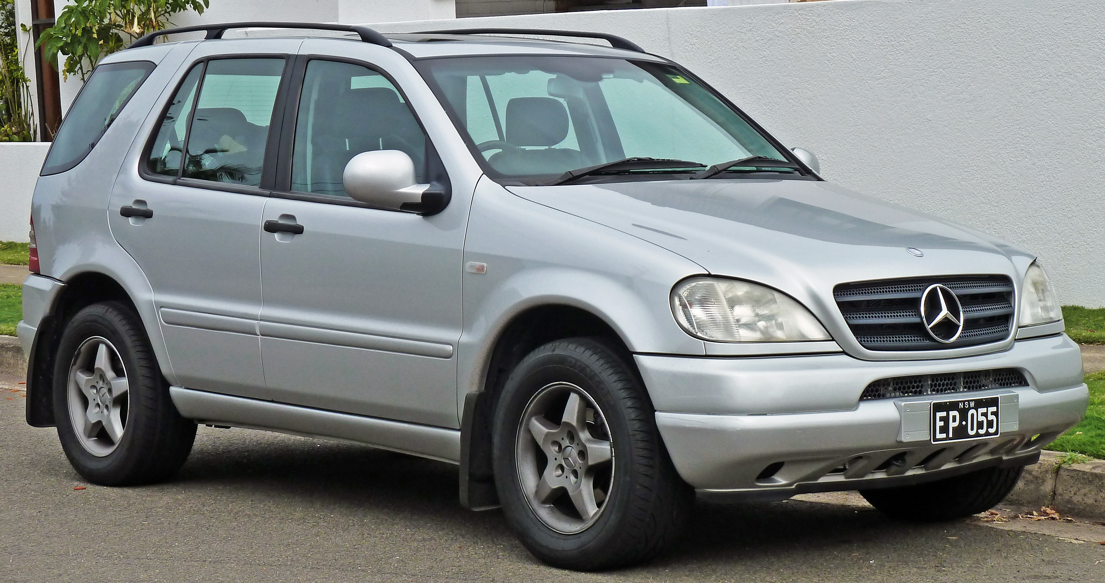 Mercedes-benz ml photo - 1