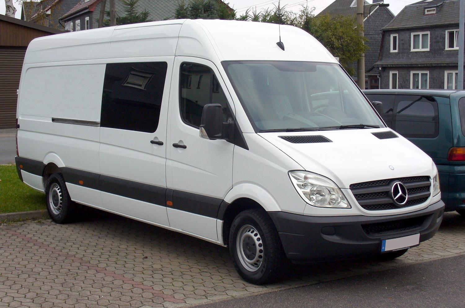 Mercedes-benz sprinter photo - 1