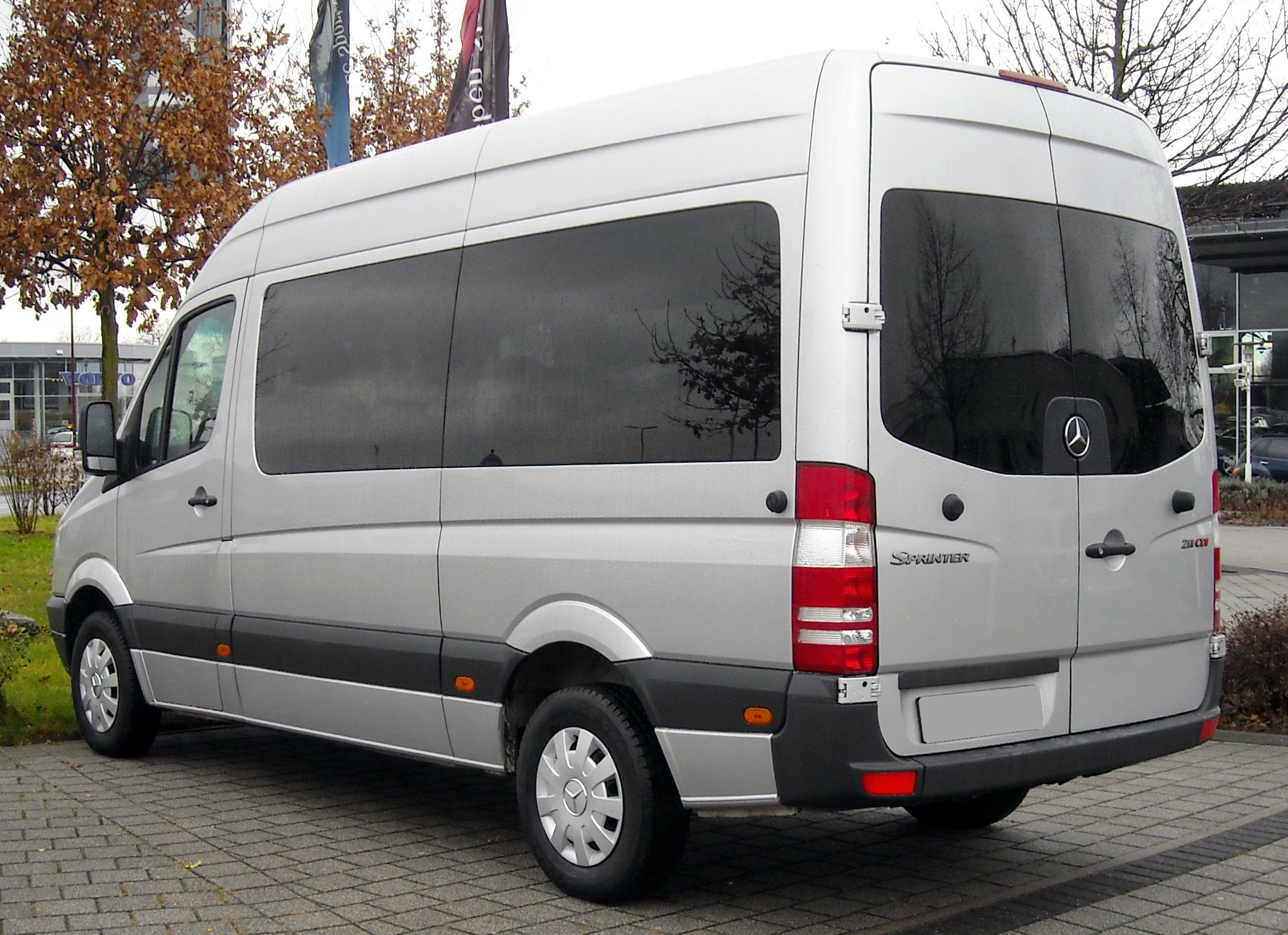 Mercedes-benz sprinter photo - 2