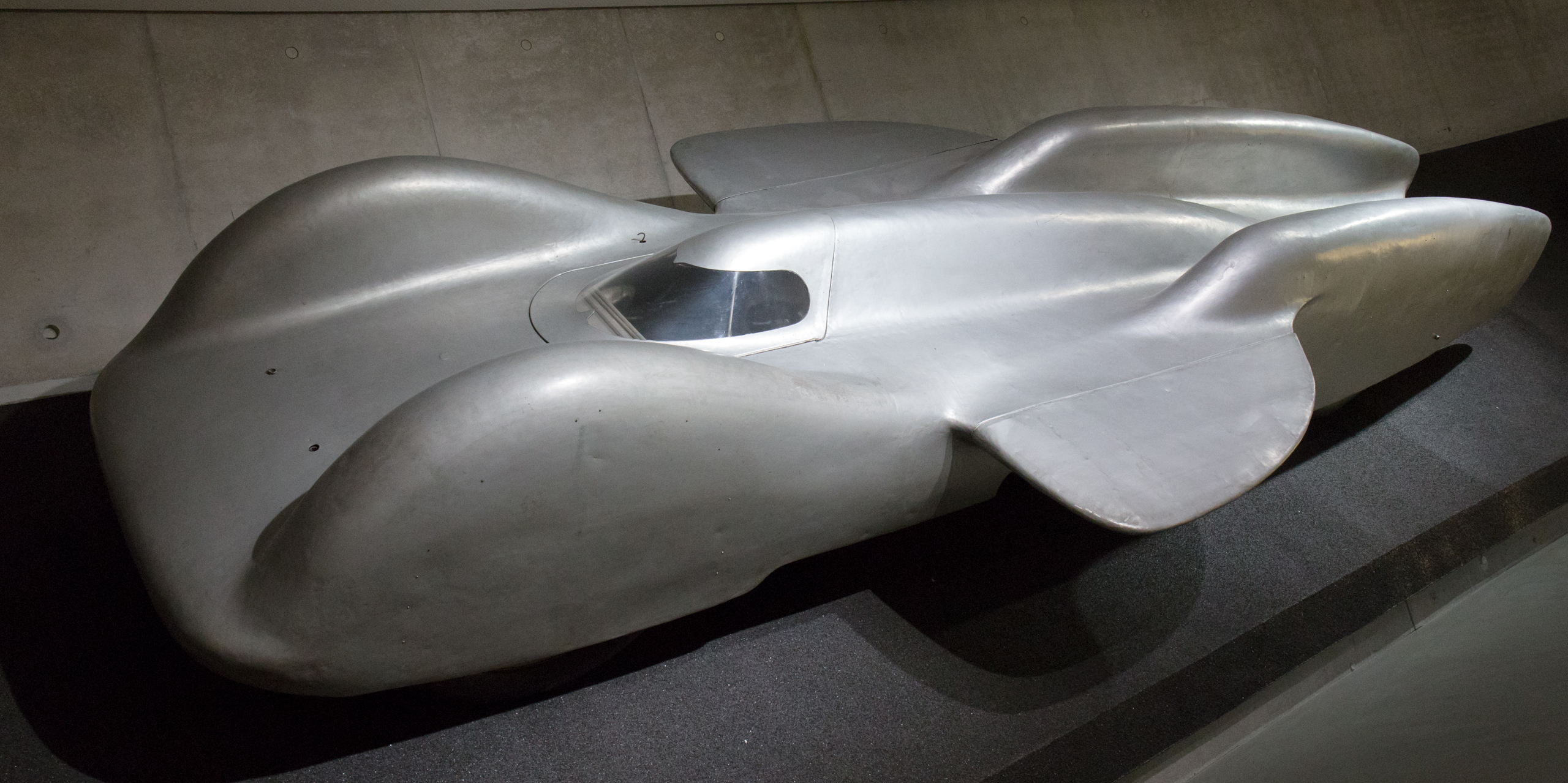 Mercedes-benz t80 photo - 2