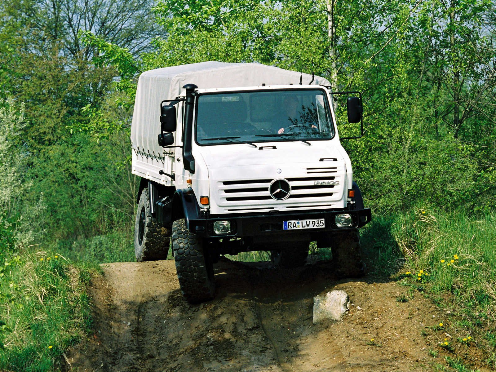 Mercedes-benz u5000 photo - 3