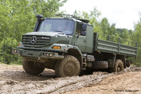 Mercedes-benz zetros photo - 1