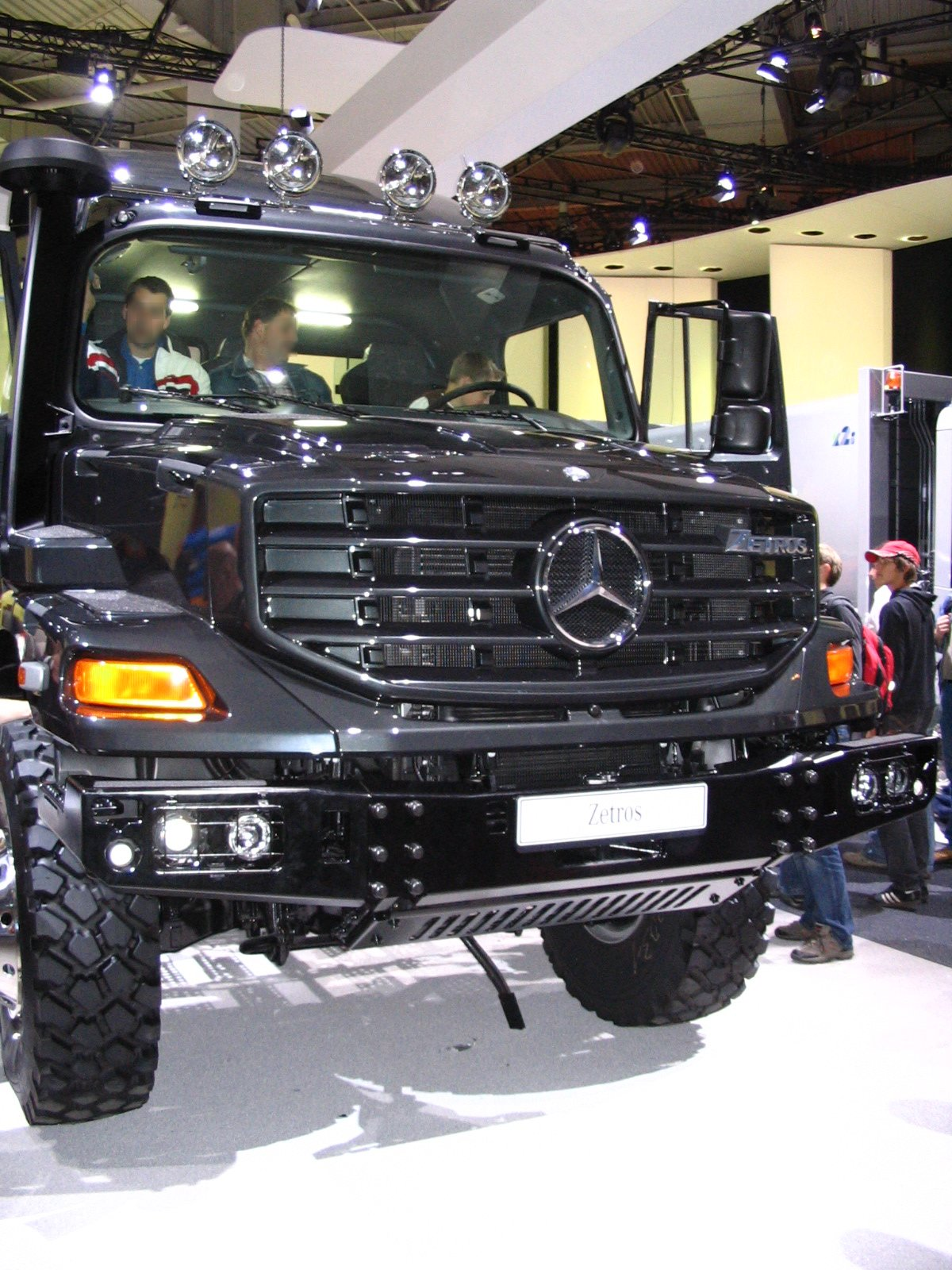 Mercedes-benz zetros photo - 4