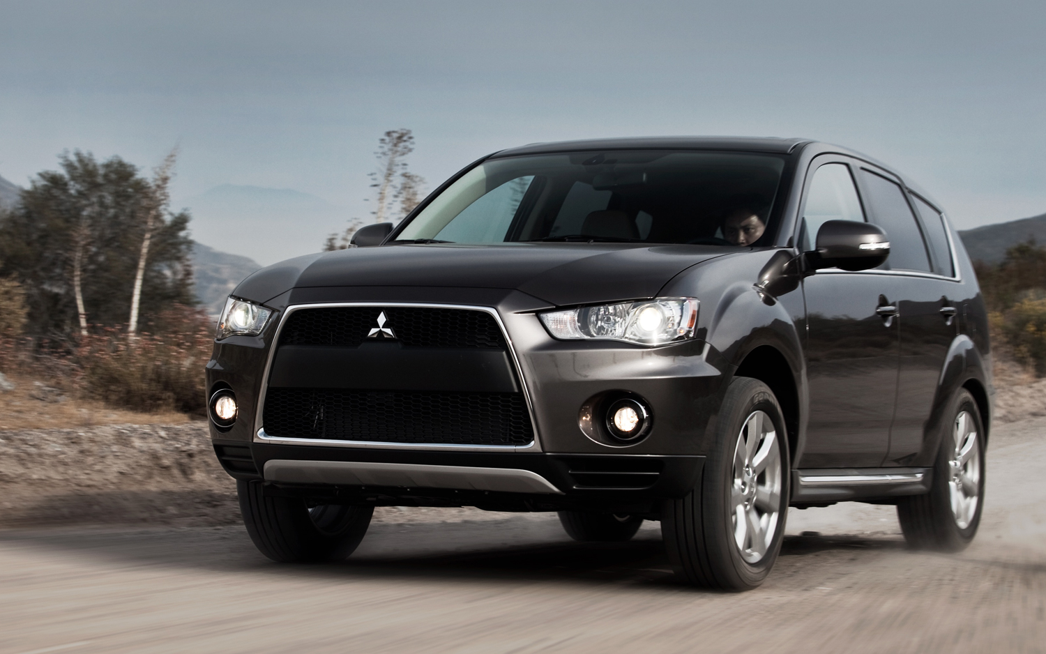 Mitsubishi outlander photo - 4