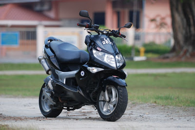 Modenas elit photo - 2