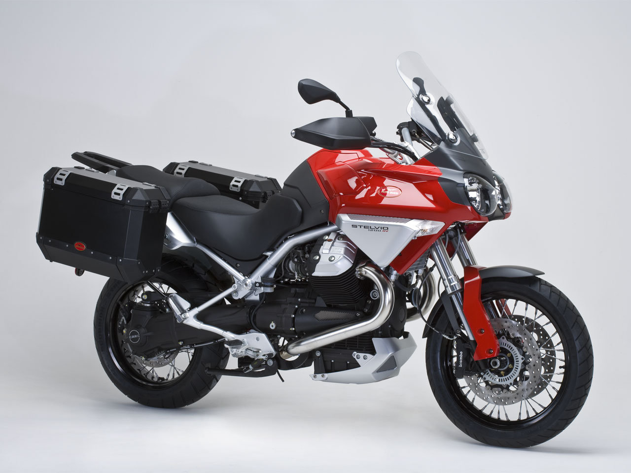 Moto guzzi stelvio photo - 3