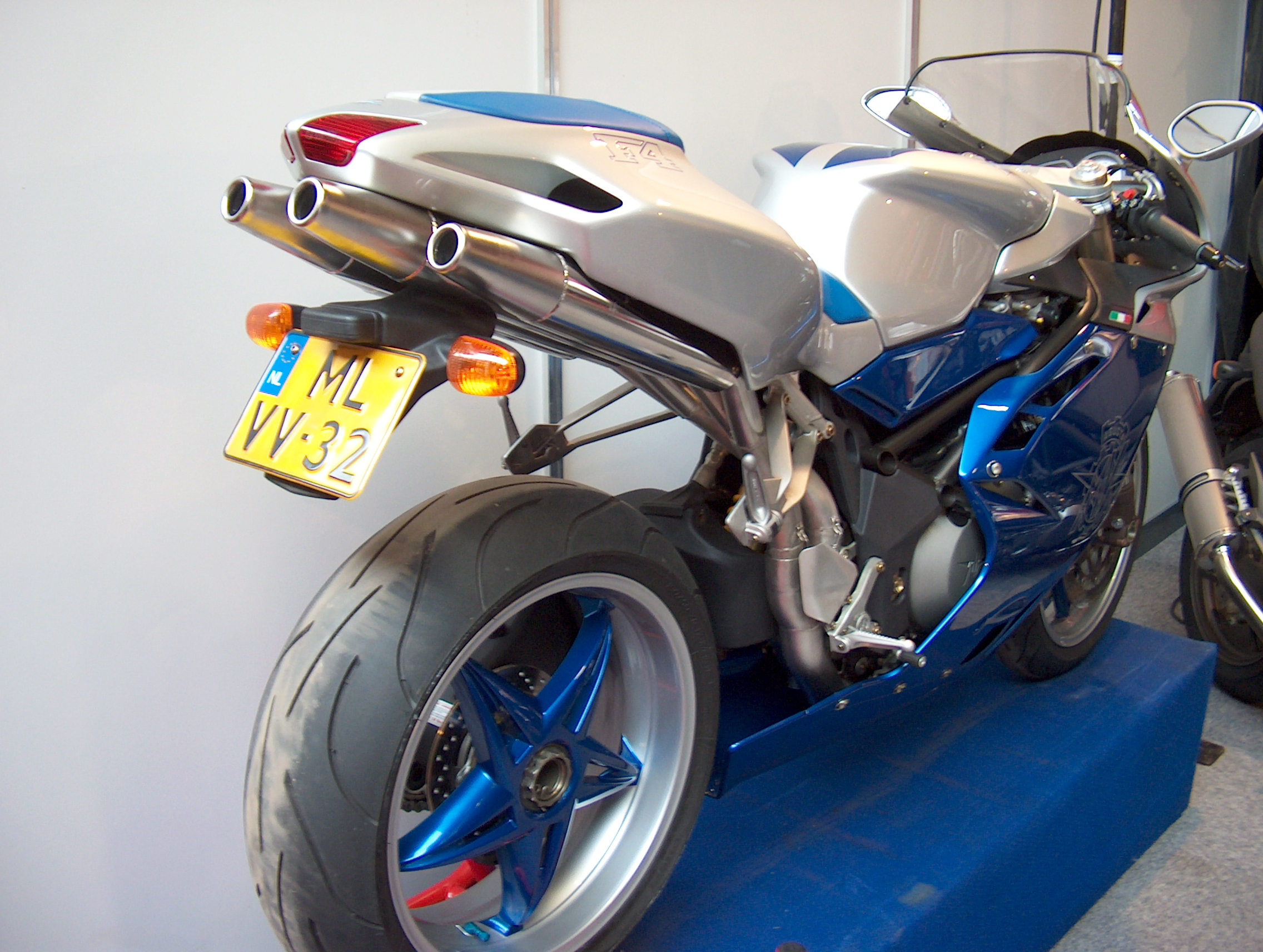 Mv agusta 1000 photo - 4